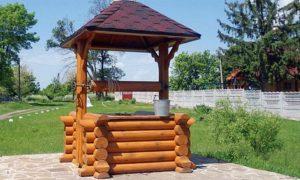 Колодец с деревянной отделкой