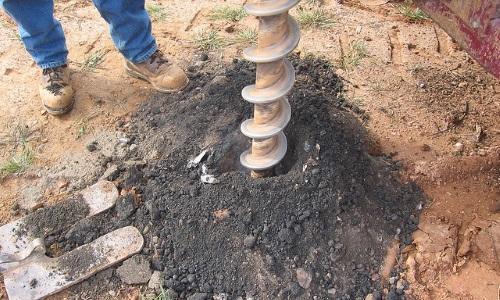 Угол при использовании шнека на твердых грунтах должен быть 90 градусов