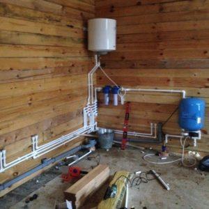 Водопровод из дома в баню