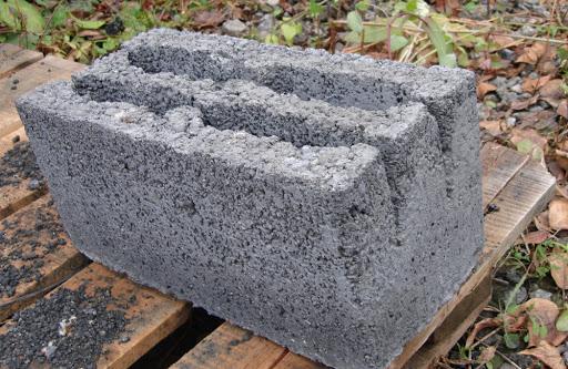 Какие нюансы стоит учесть при покупке шлакоблока для строительства?